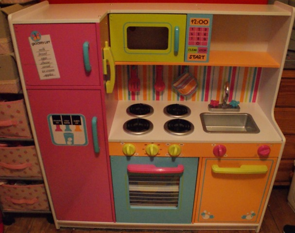 Kidkraft Deluxe Big Bright Kitchen Review